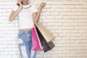 Il est toujours bon d'avoir un tote bag personnalisable comme cadeaux à distribuer aux gens. Si votre entreprise ou organisation assiste ou parraine